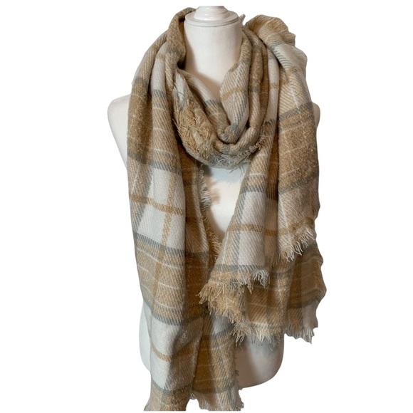 NWOT AMERICAN EAGLE neutral plaid blanket scarf